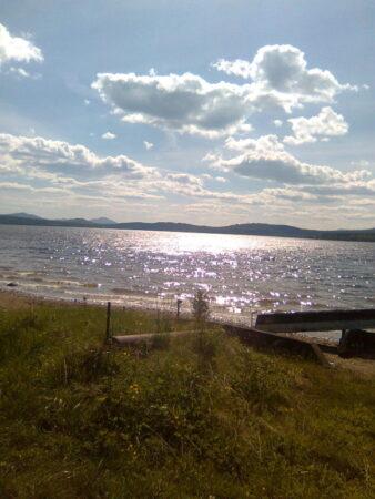 озеро Зюраткуль днем